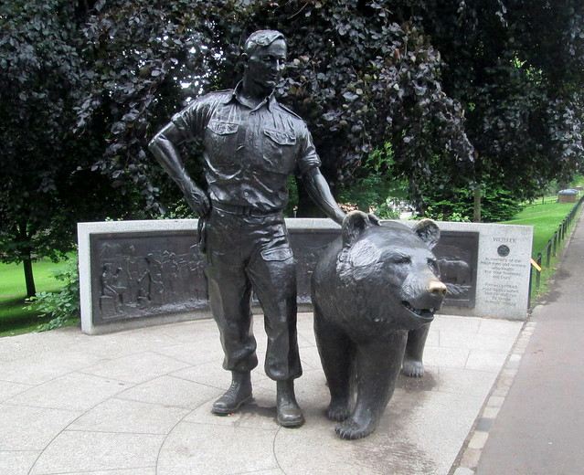 Statue of Wojtek the Bear