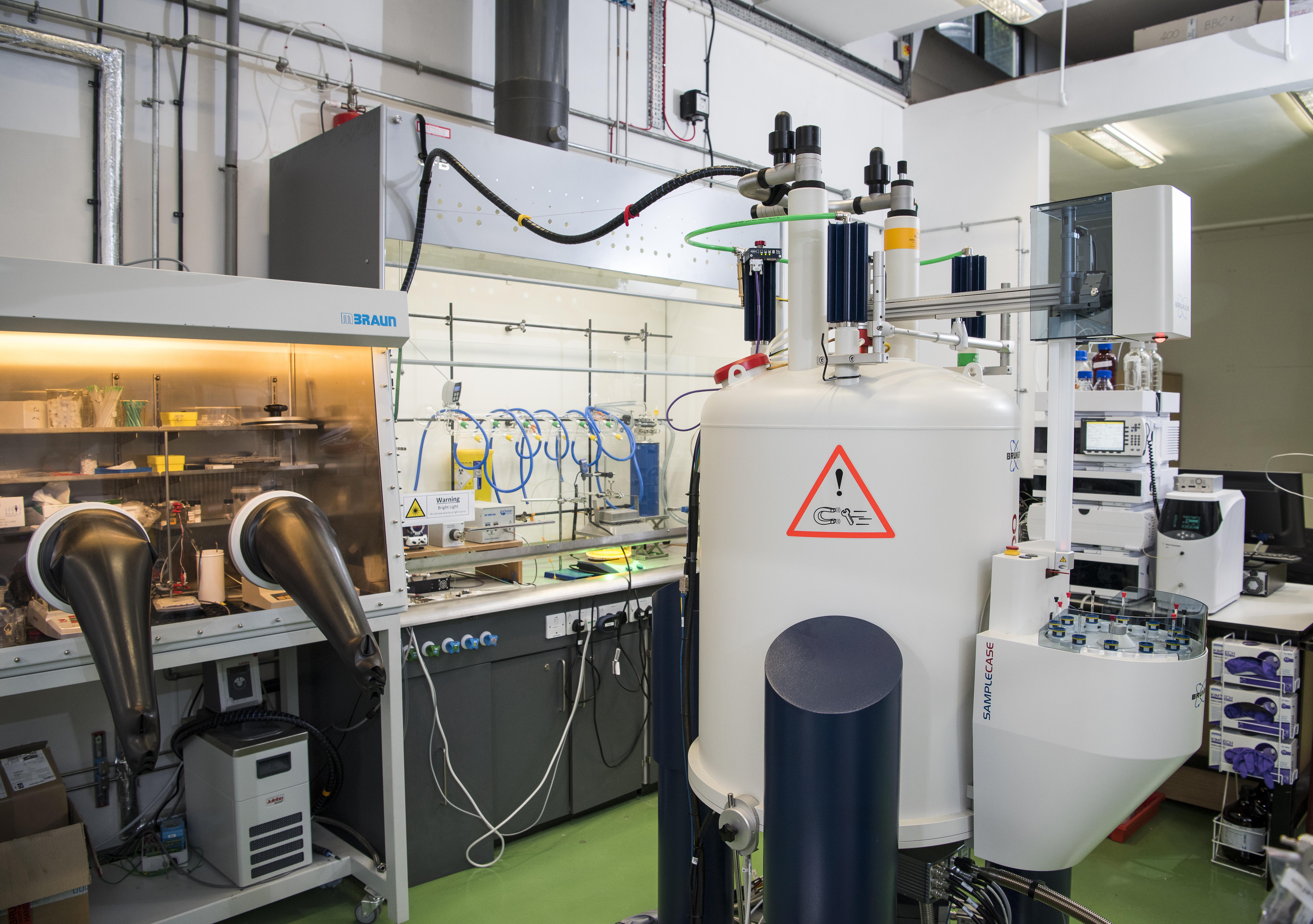 NMR spectrometer