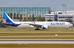 Kuwait Airways Boeing 777-300 9K-AOH