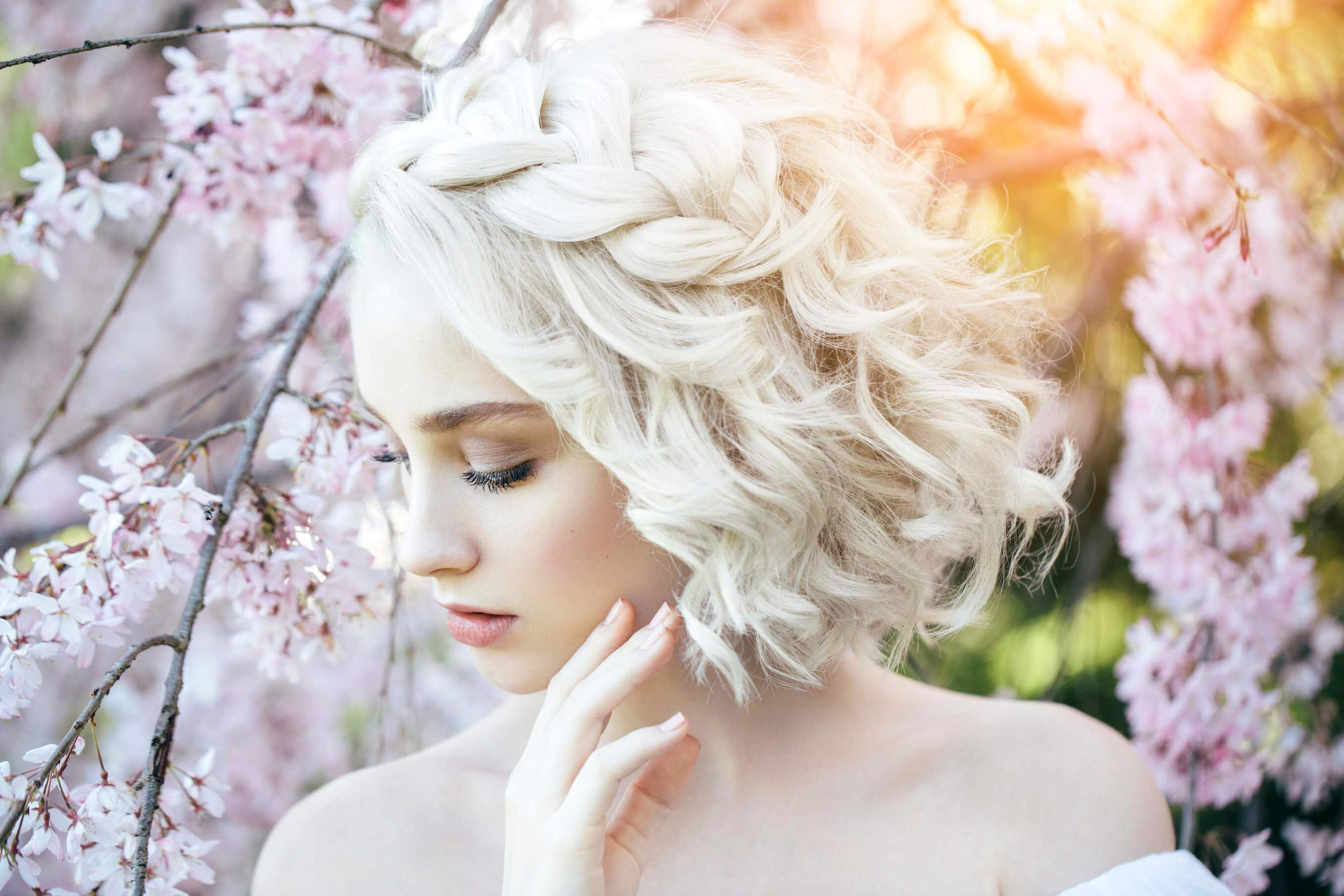 Romantic Wedding Short Haircut for Your Amazing Day! 3
