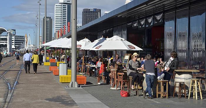 Ein Cafe im Wynyard Quarter in Auckland