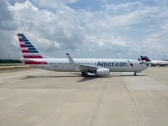 American Airlines Boeing 737 - N925AN