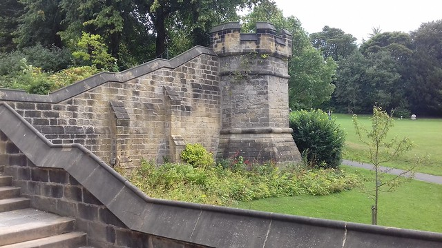 Ornamental Walls and Turrets, Saltwell Park