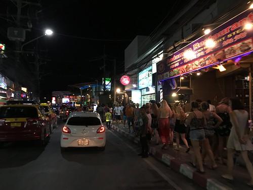 サムイ島チャウエンビーチロード Chaweng Beach Road