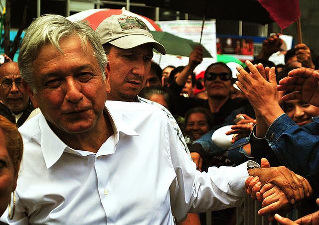 Quem é López Obrador, o candidato progressista que lidera as pesquisas no México?