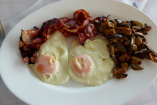 Eggs, Bacon and Mushrooms... Kalymnian Style