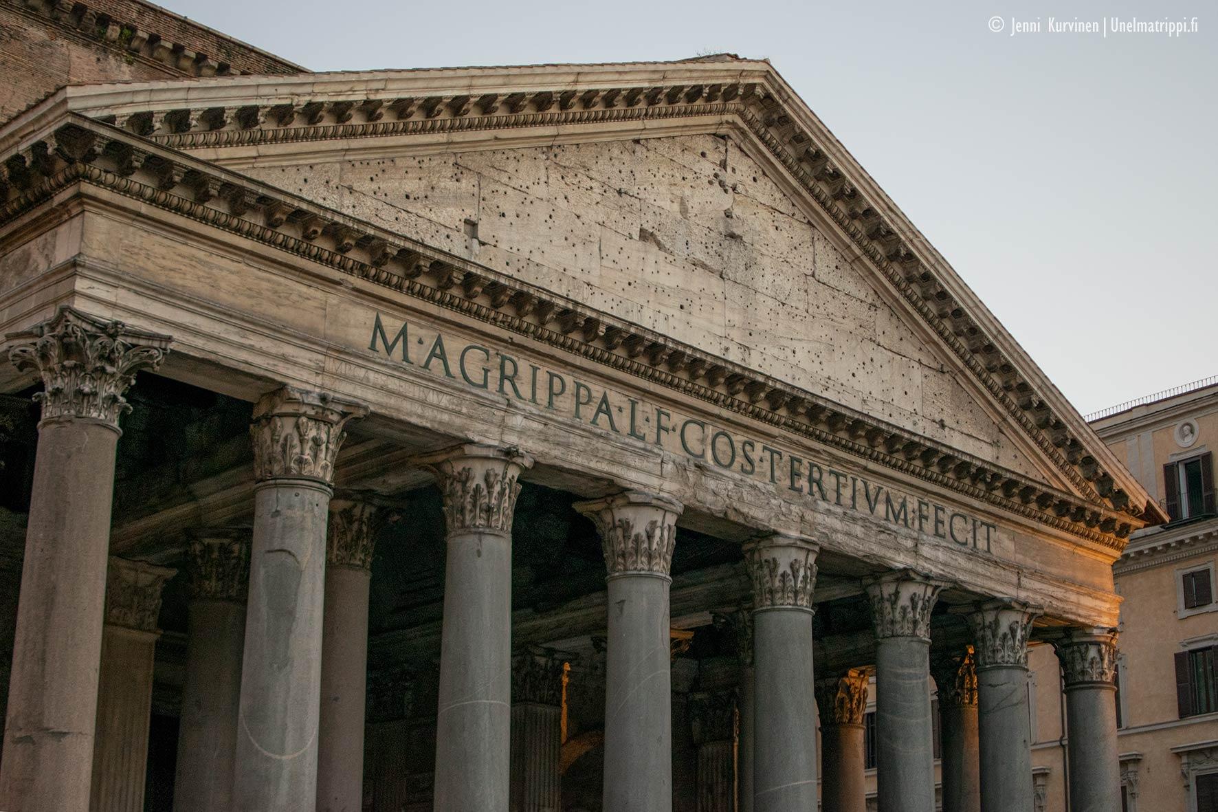Pantheon iltahämärässä
