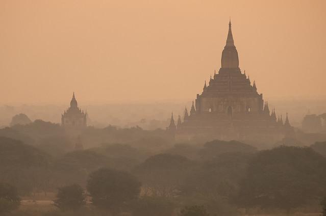 Bagan in the mist, Fujifilm X-E1, XF55-200mmF3.5-4.8 R LM OIS
