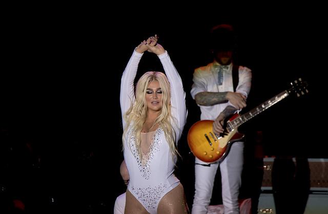 Kesha 32