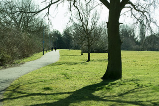 20180326-15_Path beside the big playing field - Cawston