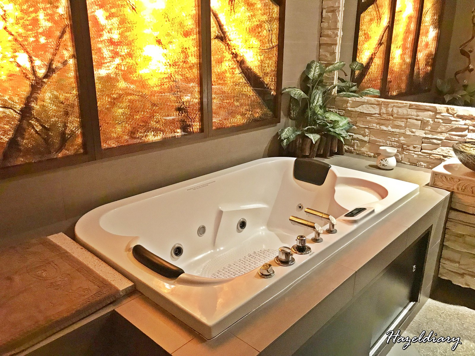 Senses Spa The Cathay-Jacuzzi Room