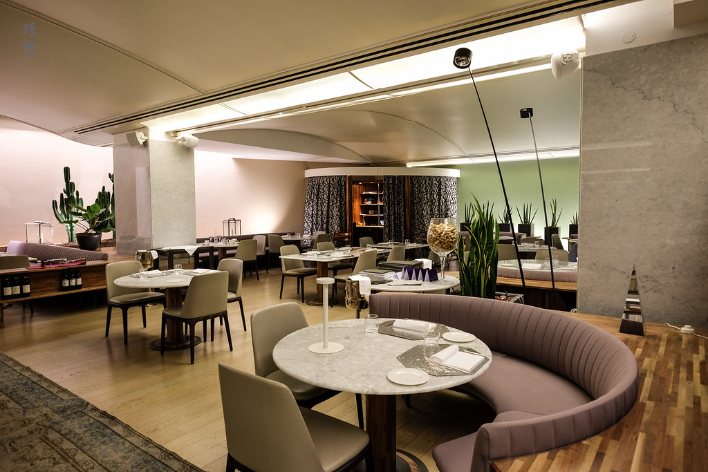 Inside Restaurant Gusto