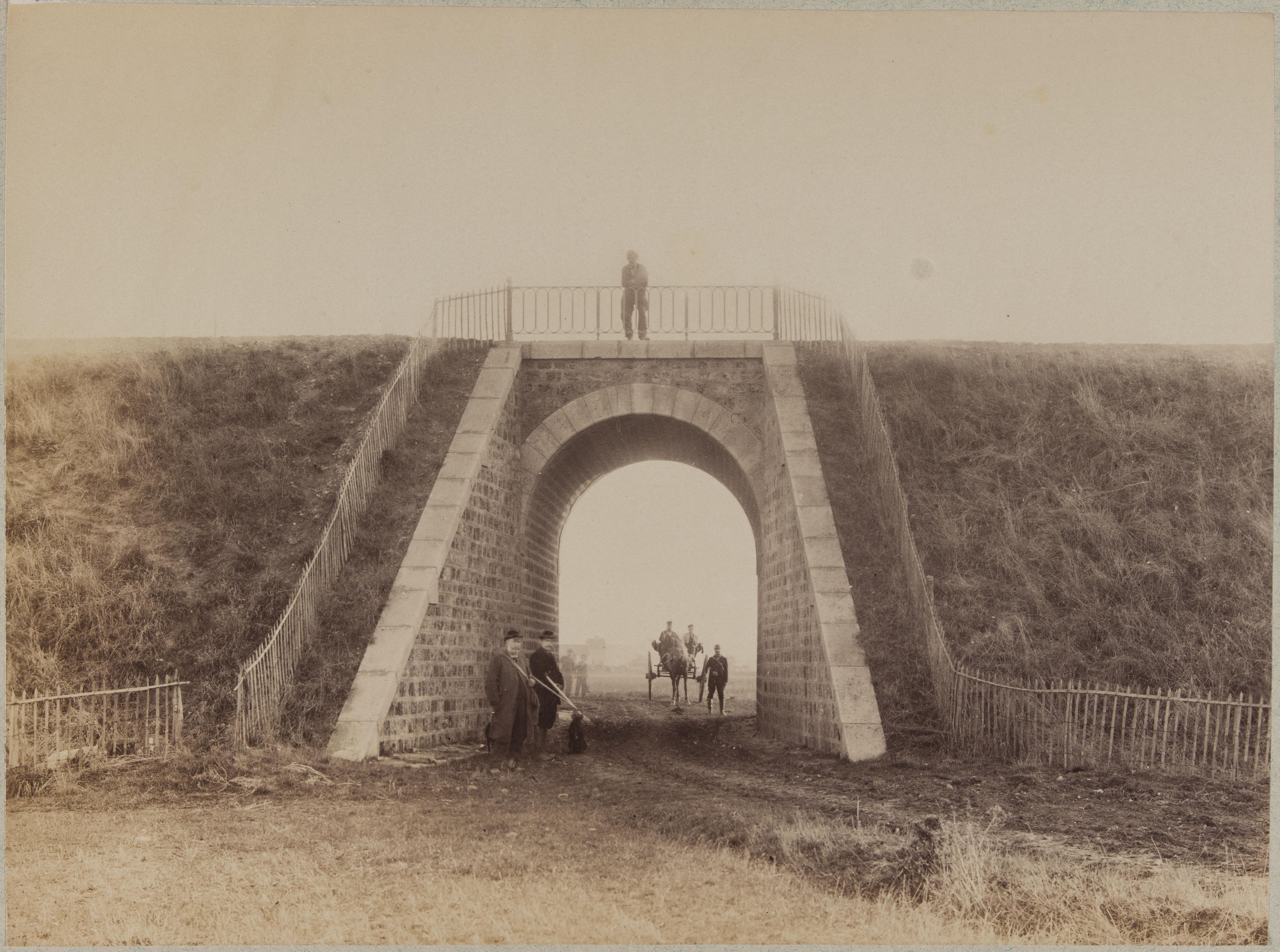 Нижний путепровод на старой дороге из Парижа в Вильнёв-Сен-Жорж