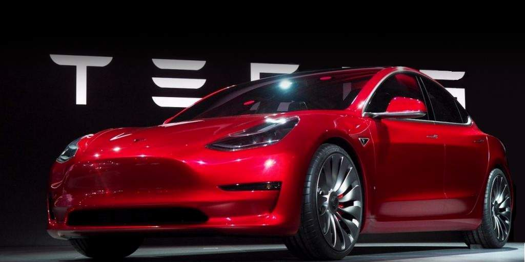 tesla-motors-poursuites-ontario