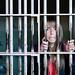 6. Dentro de una de las cárceles de Alcatraz