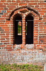 porch window (16th Century)
