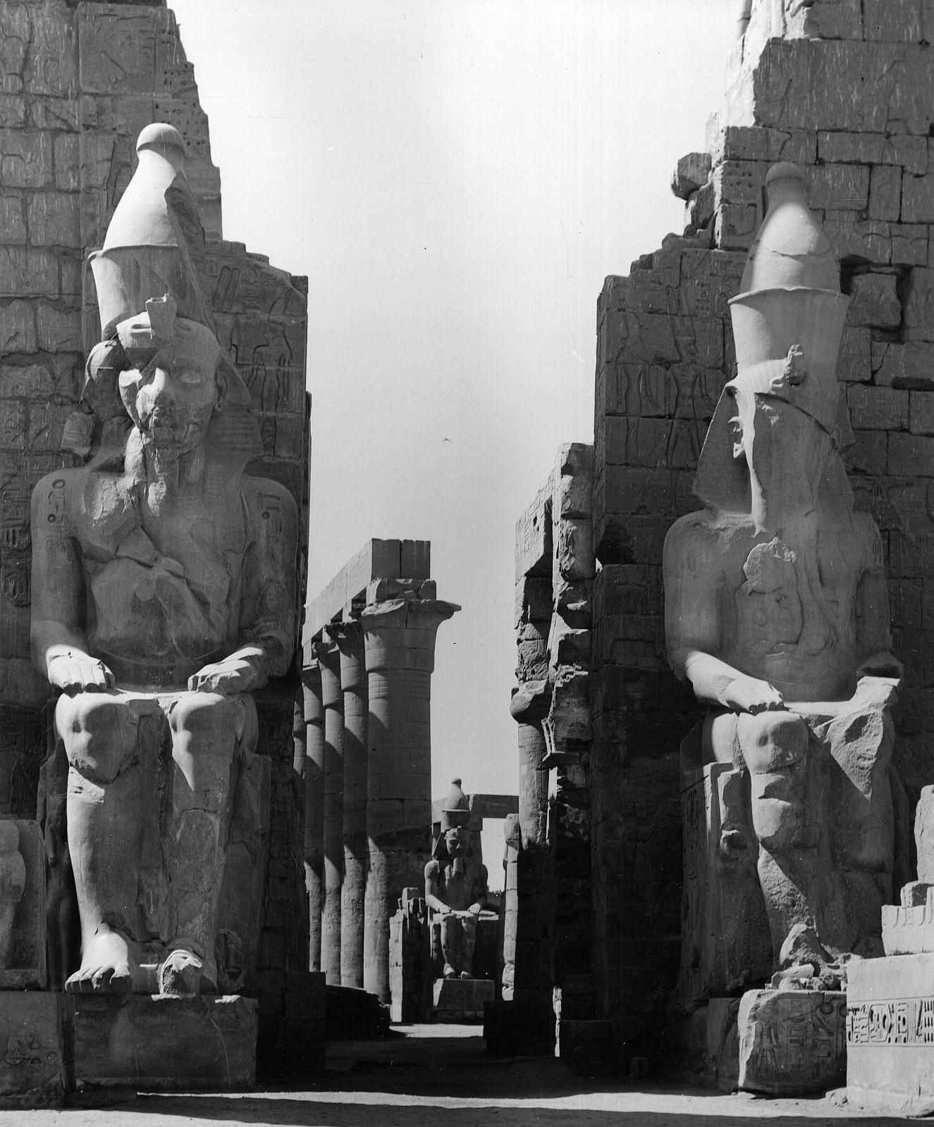 Луксор. Пилон Рамзеса II..