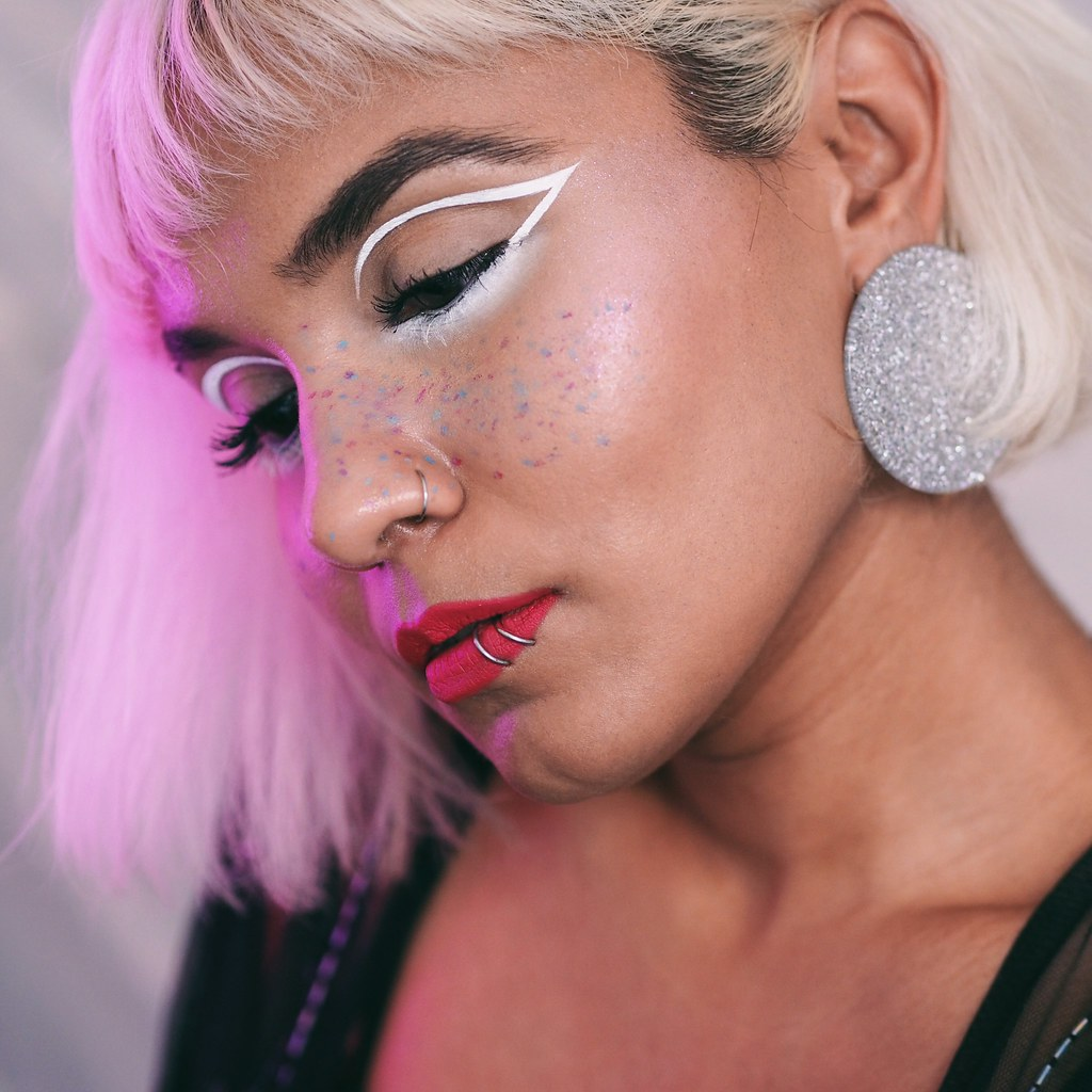 Pastel Unicorn Freckles White Graphic Eyeliner