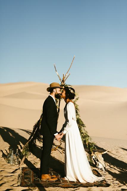 Frida enamorada boda en el desierto de baja california mexico LR-23