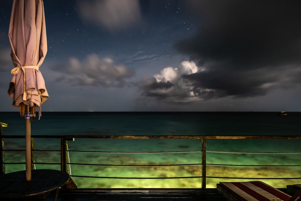 Night on the ocean, Maldives picture