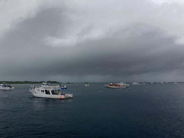 竹富北にダイビング船が大集合