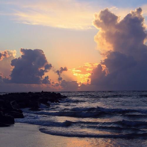artisticsunrisephotography sunrise florida summer northernflorida 7518 unitedstates usa saintaugustineflorida villanobeach 2018 beach sea sand water atlanticocean waves ocean jetty coth5