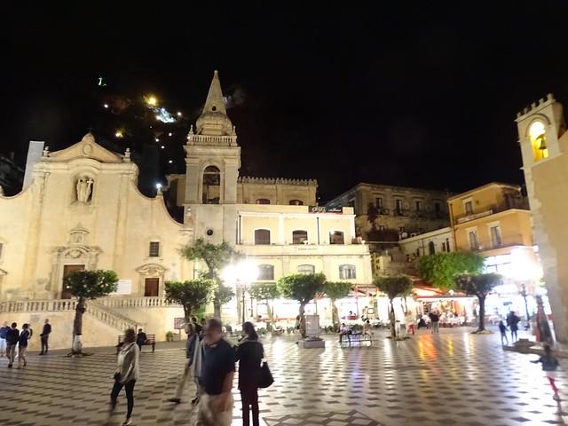Taormina at night (1)