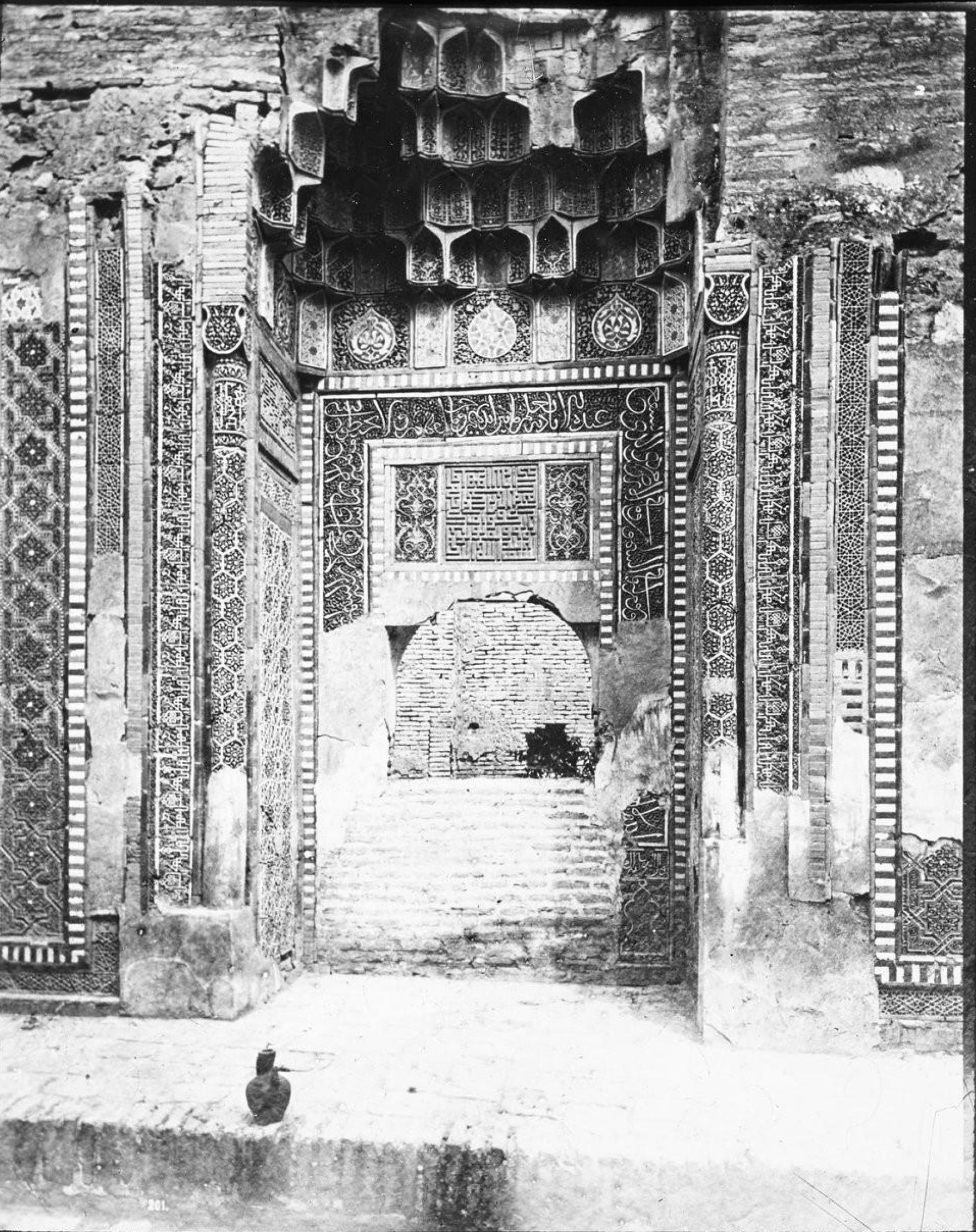 Интерьер мечети в Самарканде