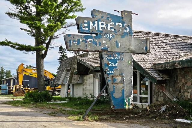 Embers Restaurant, St. Ignace, Canon POWERSHOT G9 X