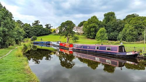 yorkshire northyorkshire leedsandliverpoolcanal eastmarton canalboat reflections 2018