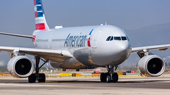 American Airlines Airbus A330-2 N285AY