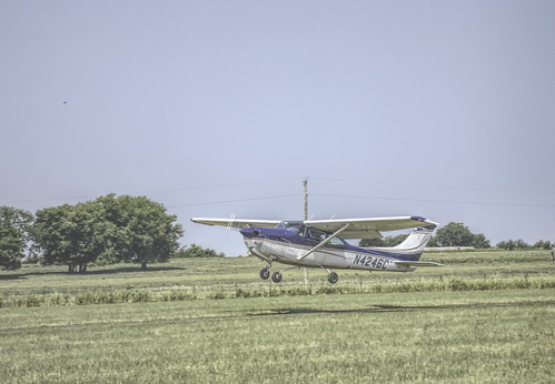 plane taking off_DSC0387-Edit