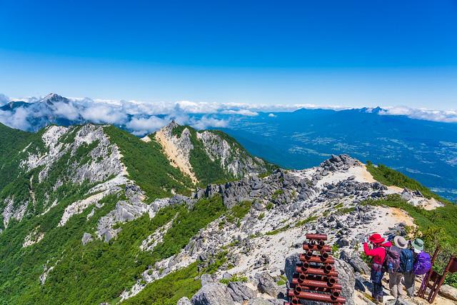 甲斐駒ケ岳・地蔵岳方面の視界が開ける@観音岳