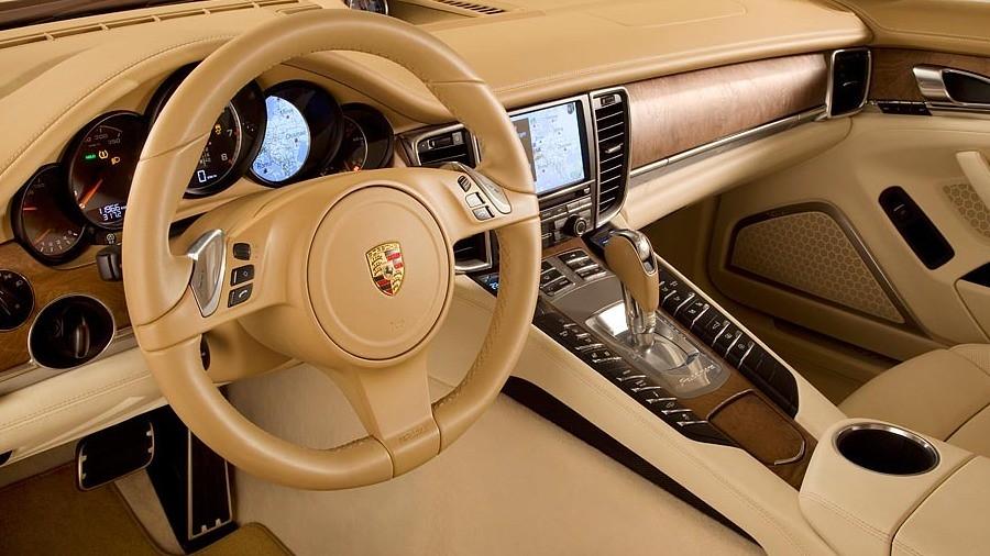 Porsche Panamera Turbo I 2