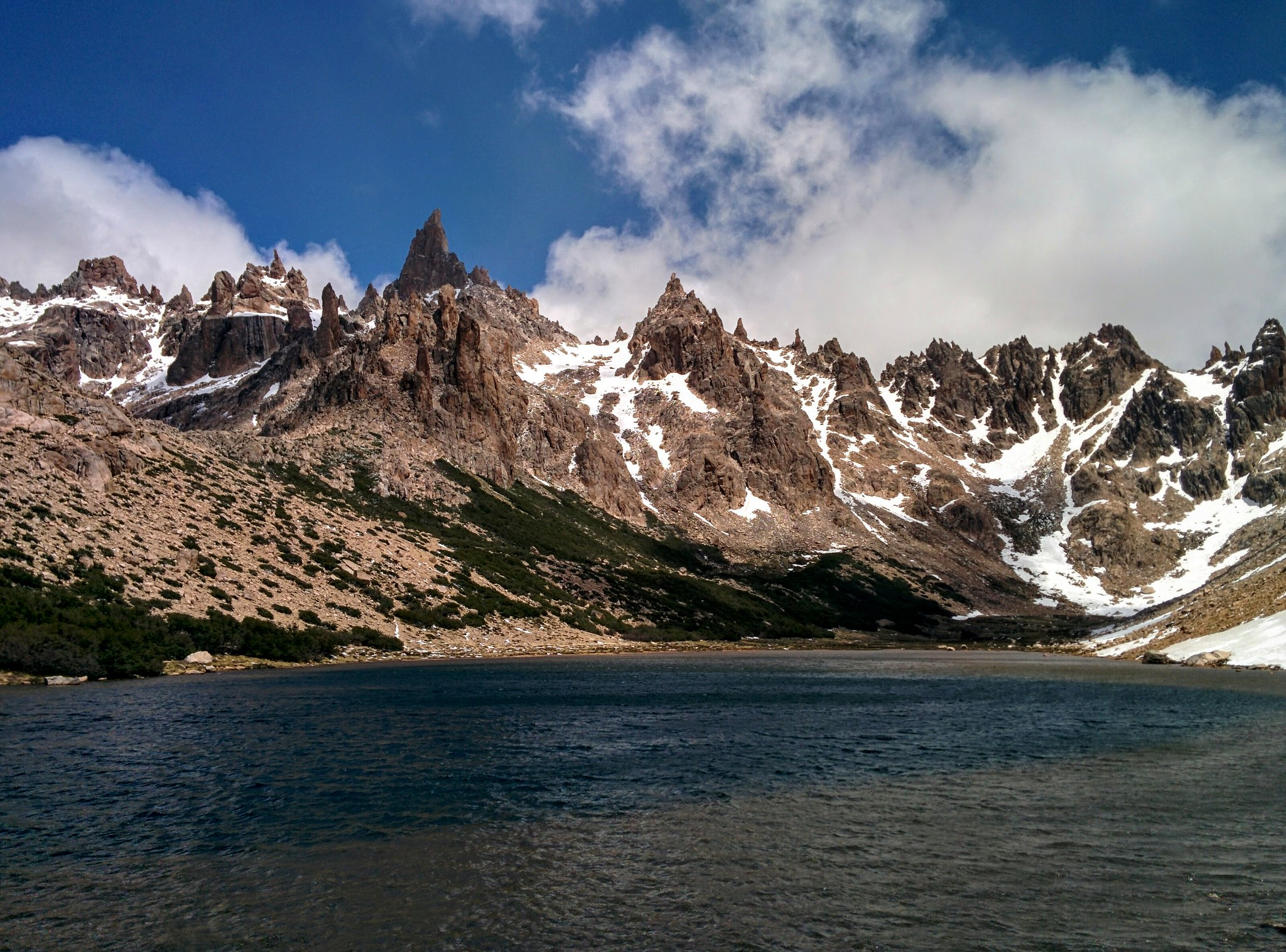 The lake at Refugio Frey