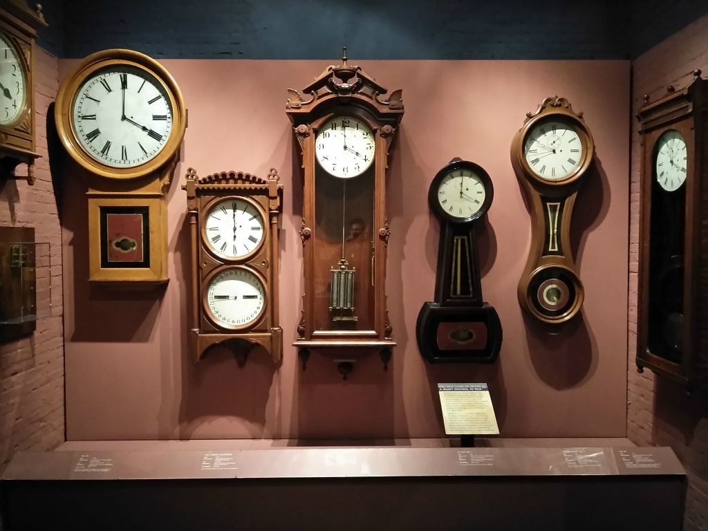 clocks, standard time