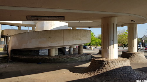Multi Storey Carpark,St.Helens | by Robbob2010