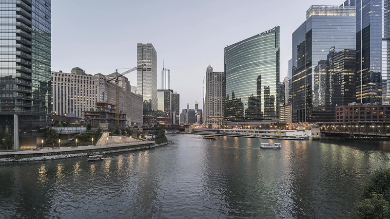 Chicago River Day to Night with music