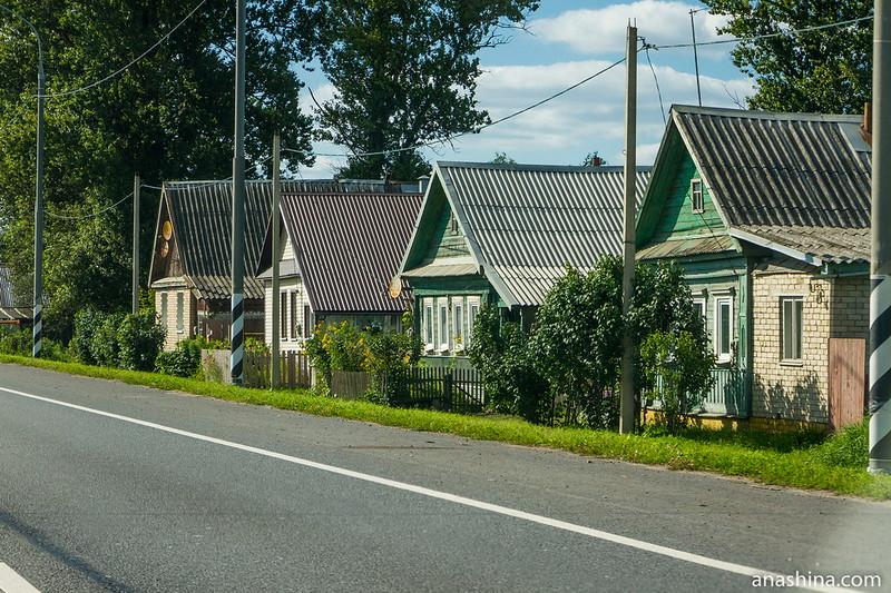 Деревня вдоль дороги, Тверская область