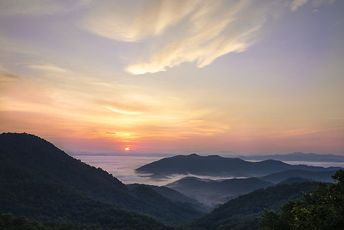 sunrise morning daybreak dawn nature beautiful orange mountains nantahalanationalforest franklin mist fog clouds sky landscape sun