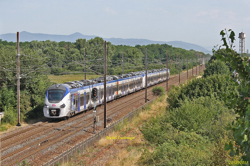 UM Régiolis B 83513L-B 83511L Train 21101 Strasbourg-Mulhouse à Wittelsheim