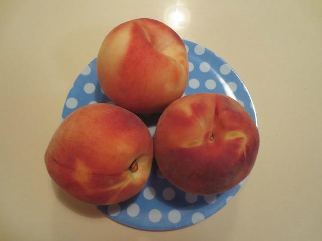 Daily Colours - Peaches, Canon POWERSHOT ELPH 110 HS