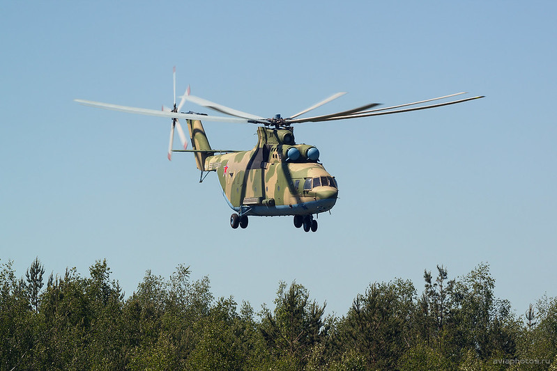 Mil_Mi-26T2_RF-13381_79white_Russia-Airforce_818_D809329a