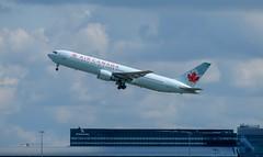 Boeing 767-375(ER) / Air Canada / WAW-YYZ