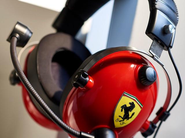 Ferrari Thrustmaster Headset - Profil