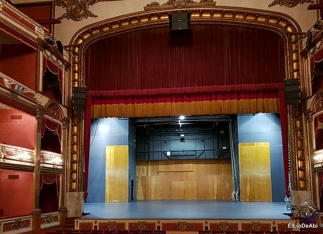 Visitamos en Teatro Principal de Vitoria y la destileria Basmoon (2)