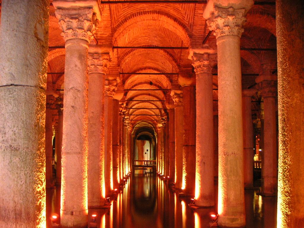 Basilica_cistern_2