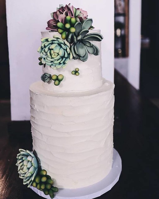 Cake by Frosty Cupcakes