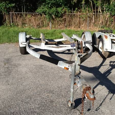 Escort Single Axle boat bunk trailer - $800