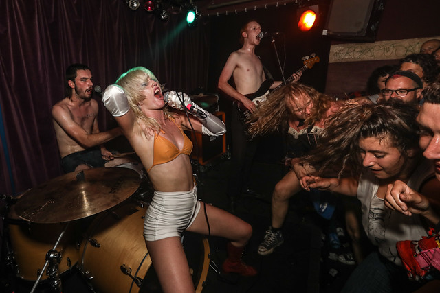 amyl & the sniffers